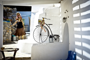 Greek patio with velocipede - Kithira island